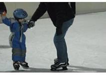 Eislaufen auf der Kunsteisbahn Hohenems
