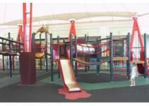 Spielplatz beim McArthurGlen Designer Outlet Parndorf