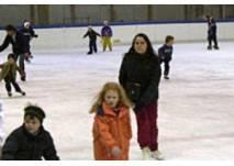 Eislaufen in der Kuppelarena  in Telfs