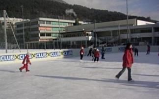Kunsteislaufplatz am Sportplatz Hötting-West in Innsbruck