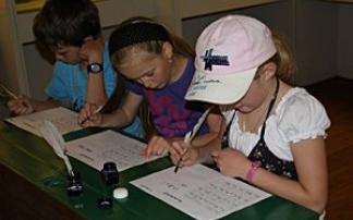 Schulklassen im Österreichischen Freilichtmuseum Stübing