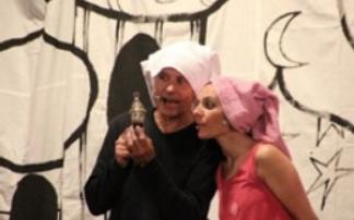 Quasi-Quasar-Theater: Valerie und die Gute-Nacht-Schaukel