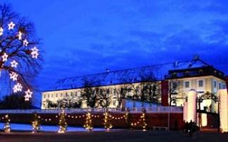 Weihnachtsdorf Schloss Hof