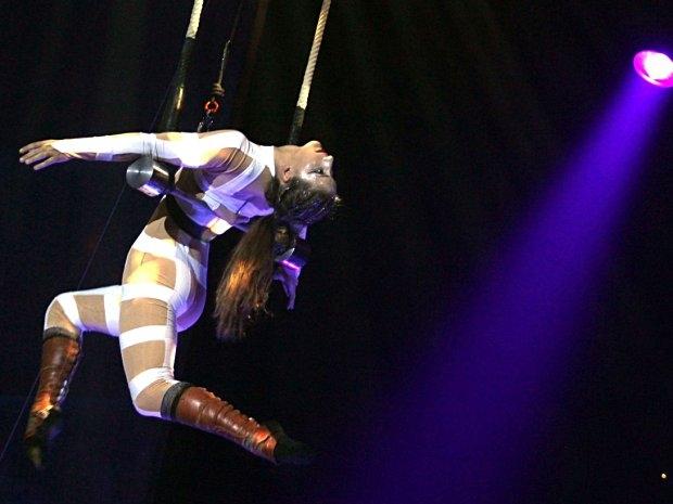 Cirque Eoloh! - Trapez-Künstler