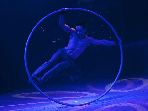 Cirque Eoloh! - Reifenkunst
