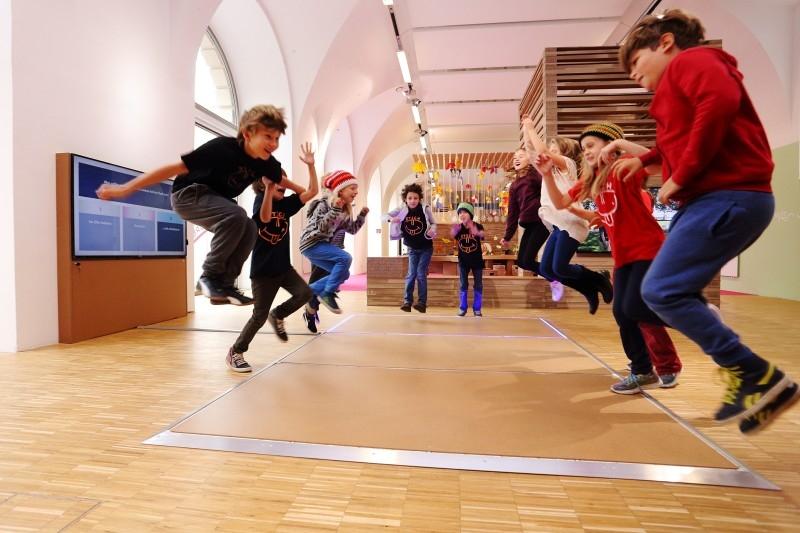 """ZOOM Kindermuseum """"Du und ich, dort und da"""""""