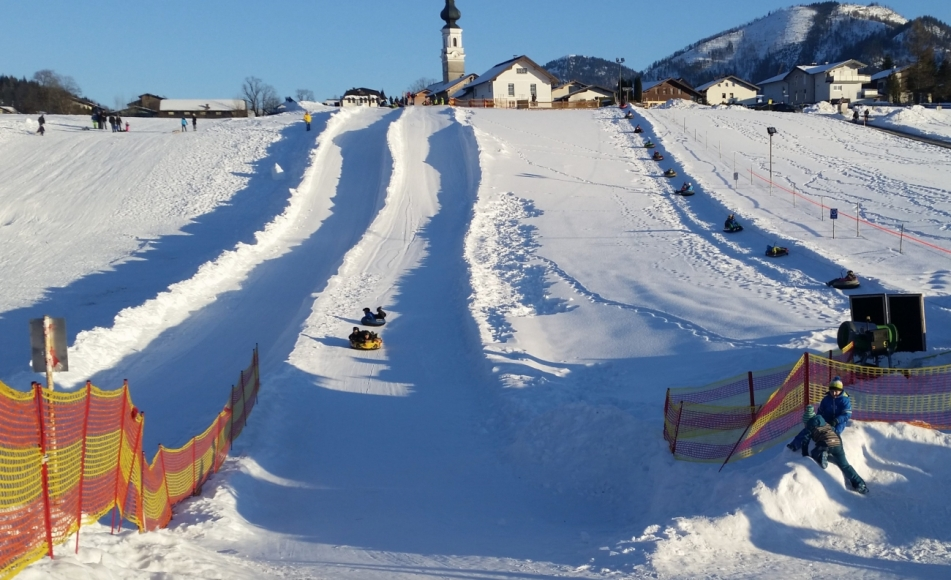 Snow-tubing in Faistenau