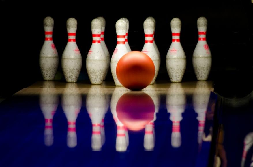 Symbolfoto Bowling im Strike Center Fohren Center
