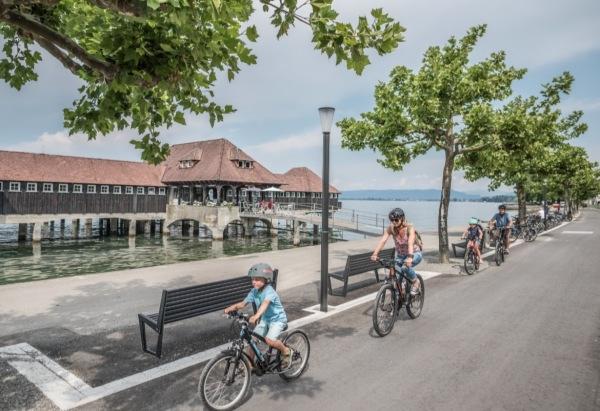 Symbolfoto Familien-Fahrradtour