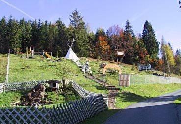 Spielplatz und Streichelzoo beim Alpengasthof Oberweissbach