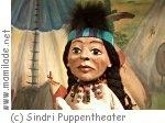 Puppentheater Sindri Kasperl und Indianer kleiner Bär