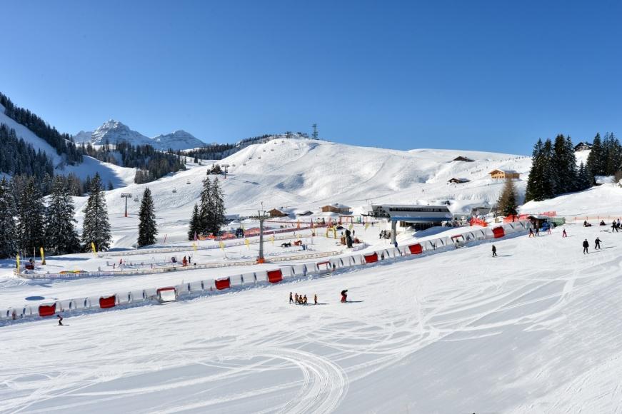Das stadtnahe Familienskigebiet Lofer ist in 50 Autominuten von der Stadt Salzburg, mautfrei und  bequem erreichbar.