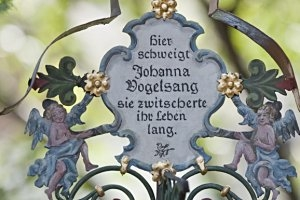 Museumsfriedhof In Kramsach Der Lustige Friedhof