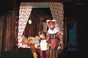 Rotkäppchen im Wiener Urania Puppentheater