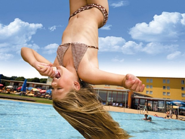 Sommer in der H2O Therme Sebersdorf in Bad Waltersdorf