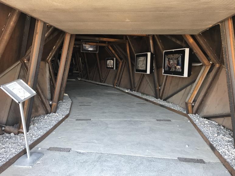 Info-Tunnel