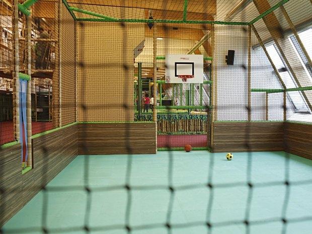 Fussballplatz im Monki Park