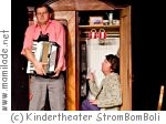 "Kindertheater StromBomBoli ""Die Fremden"""