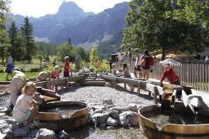(c) Alpengasthof Gramai