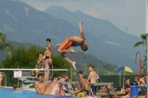 (c) Schwimmbad Felsenau