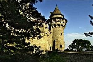 (c) Burg Kreuzenstein