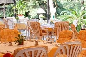 (c) Restaurant Napoleonwald