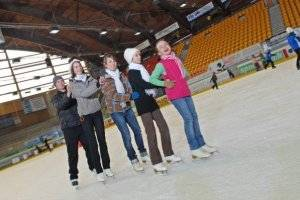 Eislaufen in der Vorarlberghalle in Feldkirch (c) Freizeitbetriebe Feldkirch GmbH