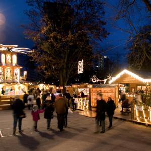 Traditioneller Weihnachtsmarkt im Linzer Volksgarten