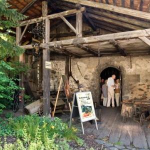 Rieplerschmiede: Vorführungen in der alten Schmiede in Lienz