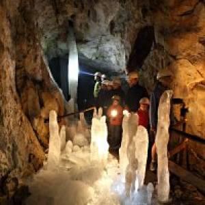 Eis- und Tropfsteinhöhle