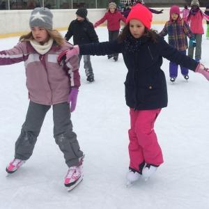 Symbolfoto Eislaufen in der Kuppelarena  in Telfs