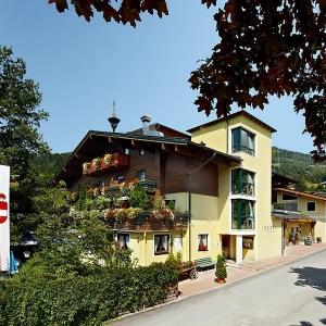 Gasthof Kröll - Zu Gast im Sudetenheim in Niedernsill