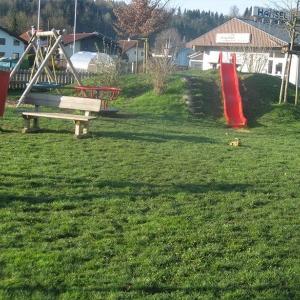 Spielplatz für Kinder in Schneegattern