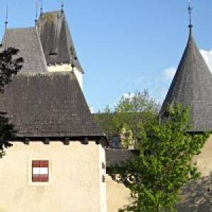 Über die Staumauer zum Schloss Ottenstein