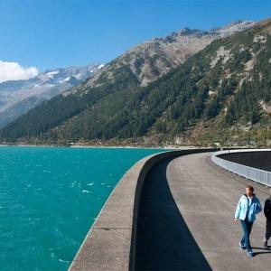 Schlegeis Alpenstraße im Zillertal