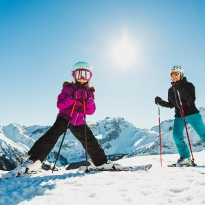 Familien im Skigebiet Golm