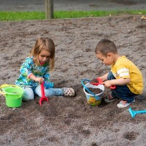Symbolfoto Kinderspielplatz Wolfsegg