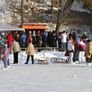 Eislaufen am Stadtsee in Allentsteig