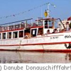 Stadbesichtigung auf der Donau