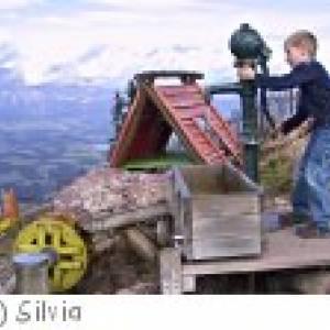 Spielplatz bei der Bergstation der Hahnenkammbahn Kitzbühel
