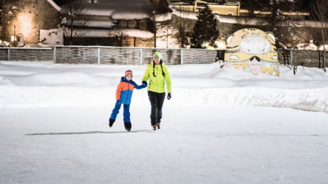 Eislaufen in Radstadt am Natur-Eislaufplatz