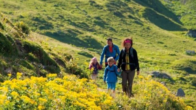 Wanderung von Klösterle am Arlberg zur Alpe Nenzigast